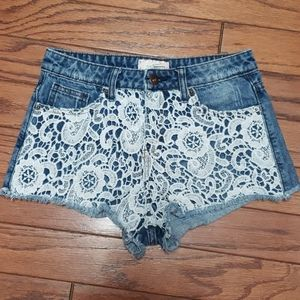 Forever 21 high rise jean shorts w/lace front EUC